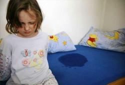 Энурез у детей: лечение народными средствами в домашних условиях