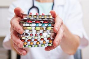 Повышенный белок в моче у женщин: норма, причины, диагностика