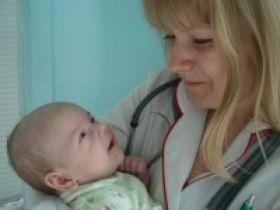 Повышенный ацетон у ребенка: причины возникновения, симптомы, чем снизить