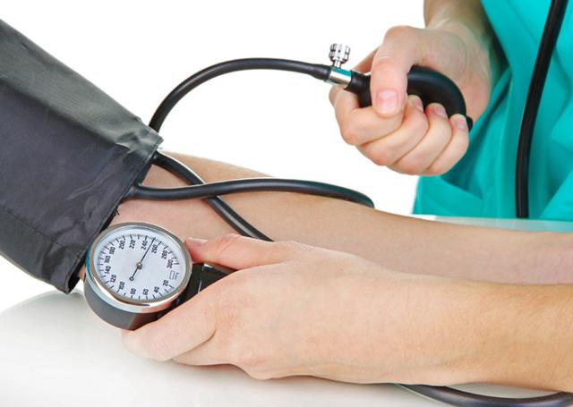 Хроническая болезнь почек: классификация по стадиям, симптомы и лечение