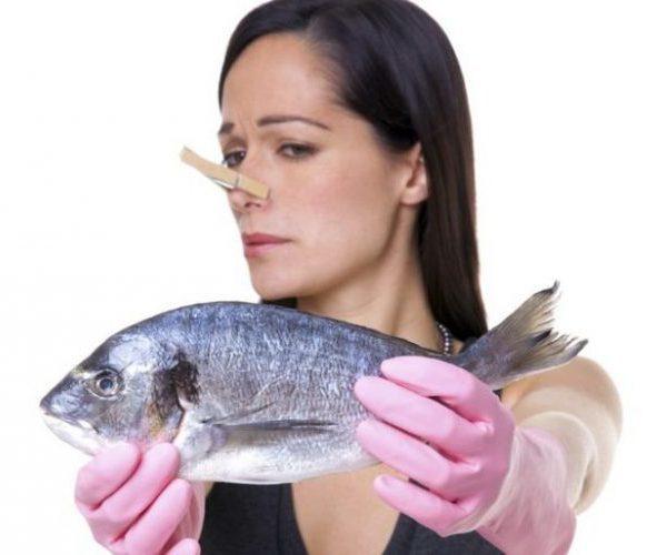 Неприятный запах мочи у взрослых и детей: виды, причины, лечение и профилактика