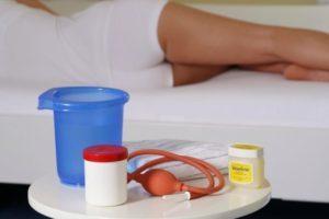 Спринцевание при цистите у женщин в домашних условиях