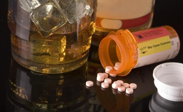 Можно ли пить Цефтриаксон с алкоголем: совместимость, сколько выводится из организма, отзывы