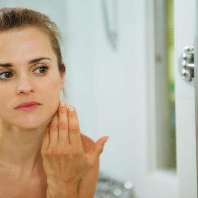 Почечные отеки на лице, ногах и руках: причины, симптомы, отличие от сердечных, лечение