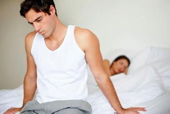 Почему больно писать женщине, мужчине и ребенку: причины, симптомы, лечение