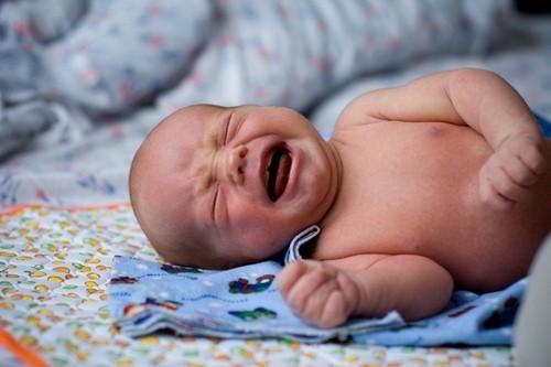 Кровоизлияние в надпочечники у новорожденных и взрослых: симптомы и диагностика